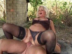 Old Granny anal sex porn outdoors