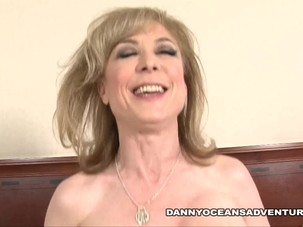 DOCEAN Milf legend spreads her..