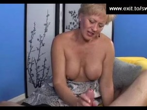 Swinger Mom Tracey milking..