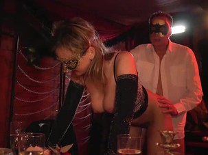 Mature Swingers Dining and..