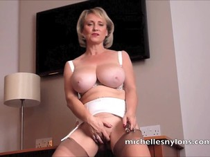 Busty Blonde Mom Hungered Quim..