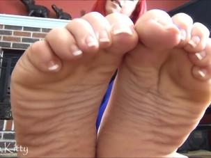 Bbw foot joi