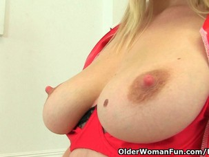 UK milf Abi Toyne needs sexual..