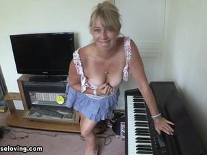 Melissa mature blonde -..