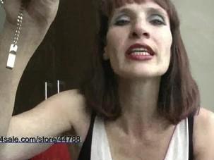 C clips4sale allie lipstick..