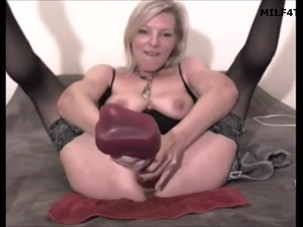 milf toys and self fists 480p