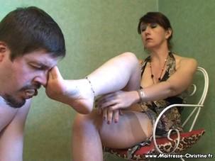 MsChristine: sniff my nylons