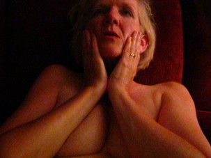 Mature BlondeTakes his load..